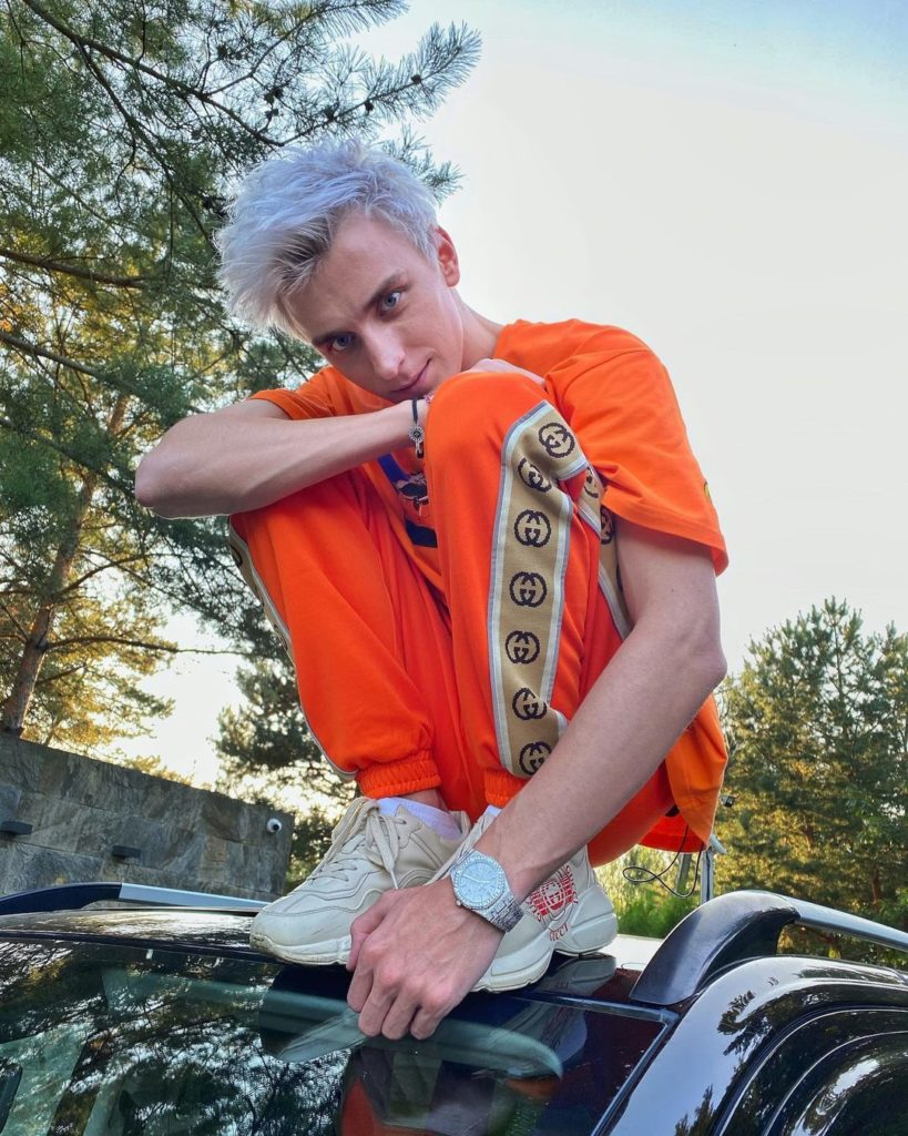Влад А4 Бумага — биография, блог, музыка, личная жизнь, сколько зарабатывает