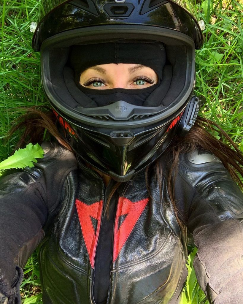 МотоТаня (Татьяна Озолина) — биография, мотоцикл, блог, личная жизнь, разбилась, фото
